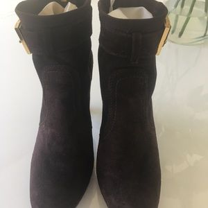 Tory Burch chocolate brown suede booties Size 9 1/